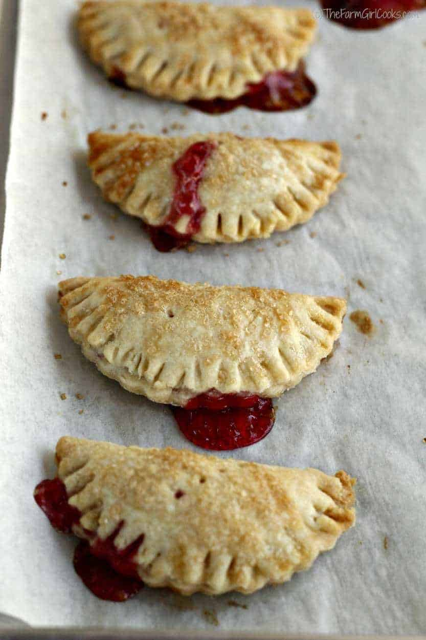 Complete mini jam pies