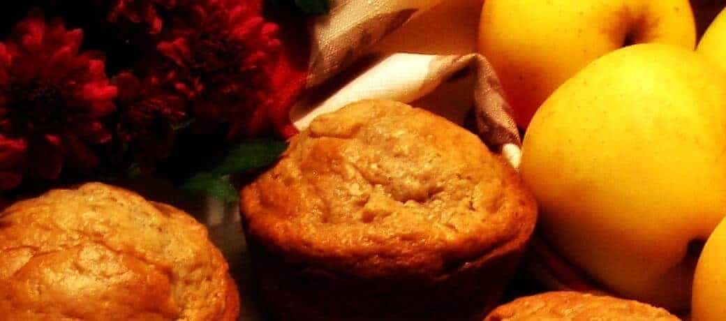 LunaGrown Moist Apple Muffins